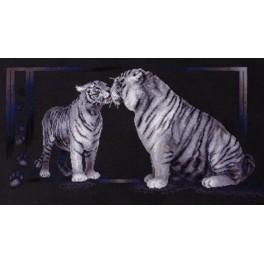 PAJ 1062 Vyšívací sada - Tygřice s mládětem