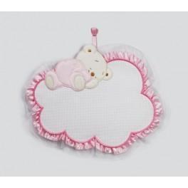 Zawieszka – miś śpiący na chmurce różowy