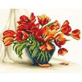 Aida z podmalowanym tłem - Urzekające tulipany