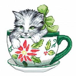 Vyšívací sada s mulinkou a podiskem - Kočička v šálku