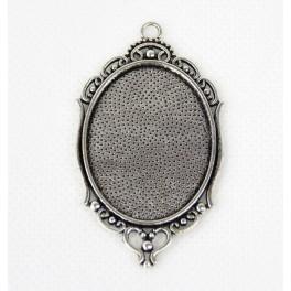 Základ medaliónu oválná barva stříbro 30x40mm ornament