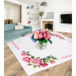 Vyšívací sada - Ubrus s romantickými růžemi