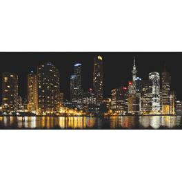 Vyšívací sada s mulinkou a podiskem - Město v noci
