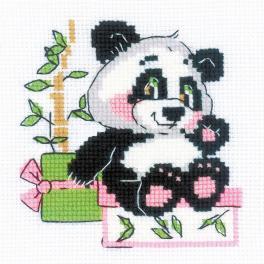 RIO 1883 Vyšívací sada s akrylovou příze - Dárek od pandy