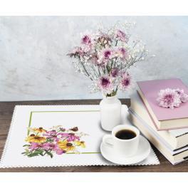 ZU 10469 Vyšívací sada - Ubrousek s květinami